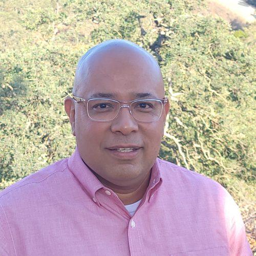 Juan Estrada headshot